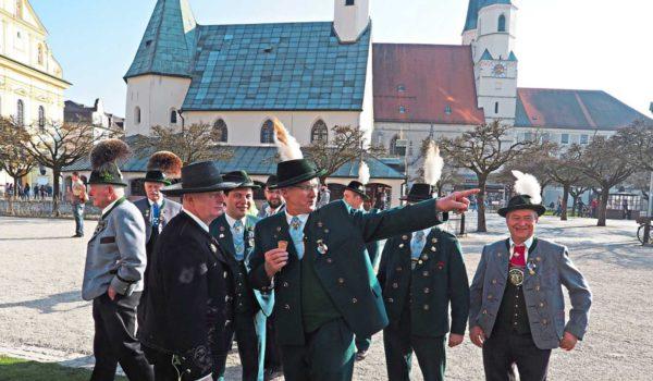 Altötting Und Tracht – Das Passt Zusammen. Die Vorfreude Auf Das Gautrachtenfest ImJuli Ist Schon Jetzt Zu Spüren. (Fotos: Schwarz)
